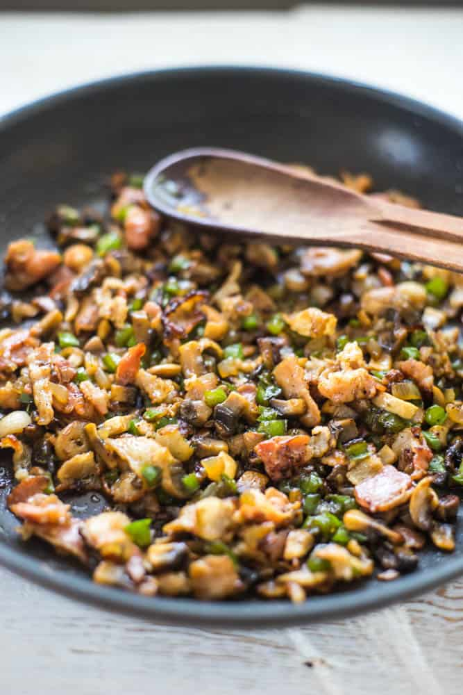 quinoa salad with bacon, mushrooms and green pepper