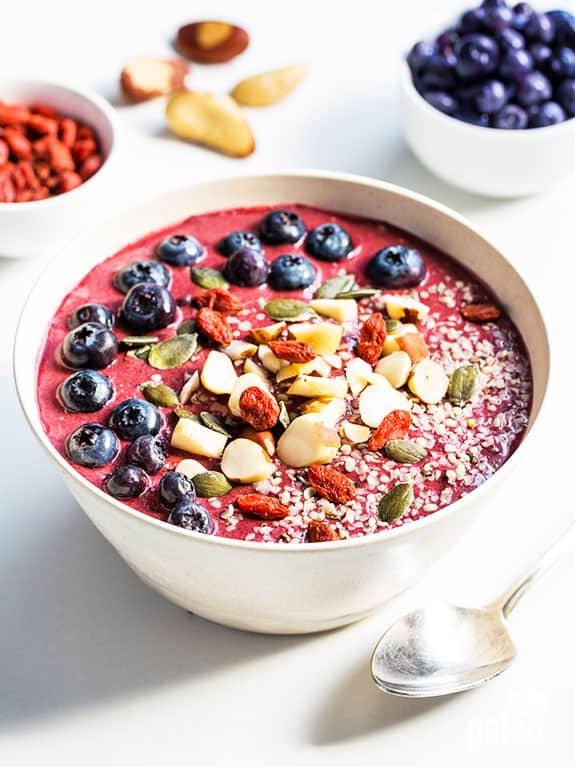 Immune-Boosting Paleo Smoothie Bowl