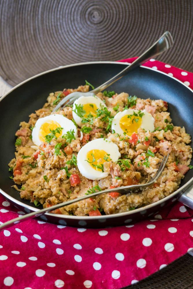 bacon cauliflower breakfast skillet