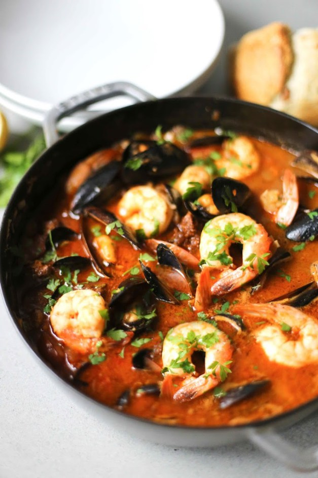 seafood medley stew