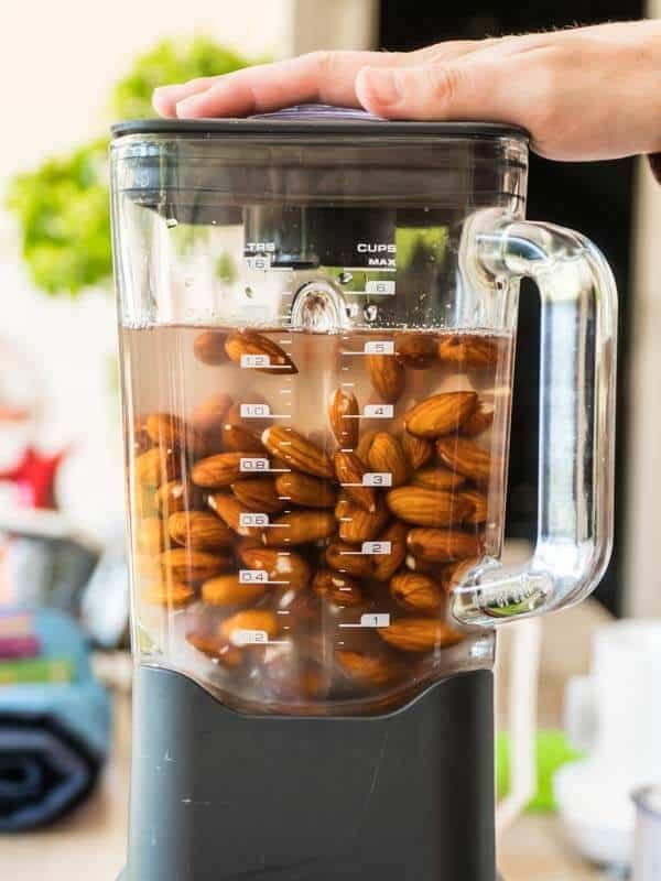 Easy Unsweetened Almond Milk