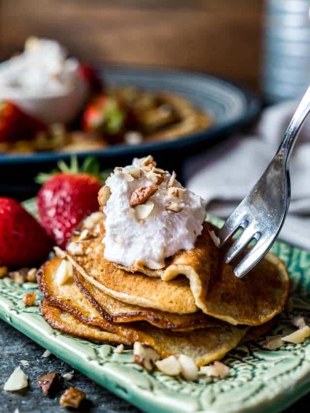 easy 3 ingredient keto banana pancakes